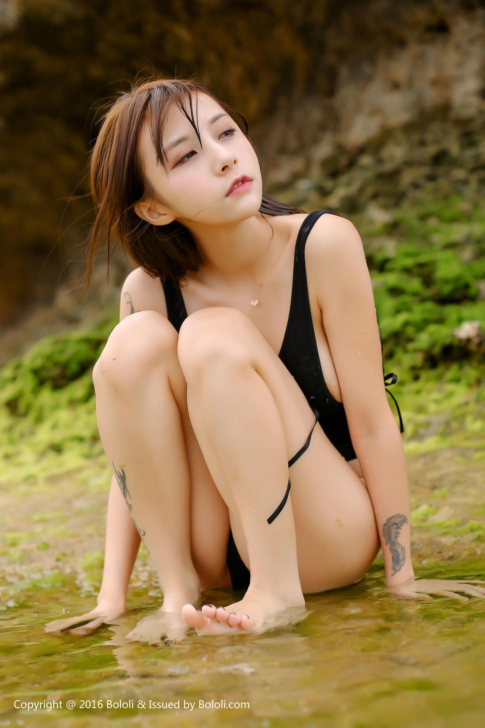 [Bololi波萝社] BOL.068 夏美酱 - 黑色连体衣 丝袜美图[36P]