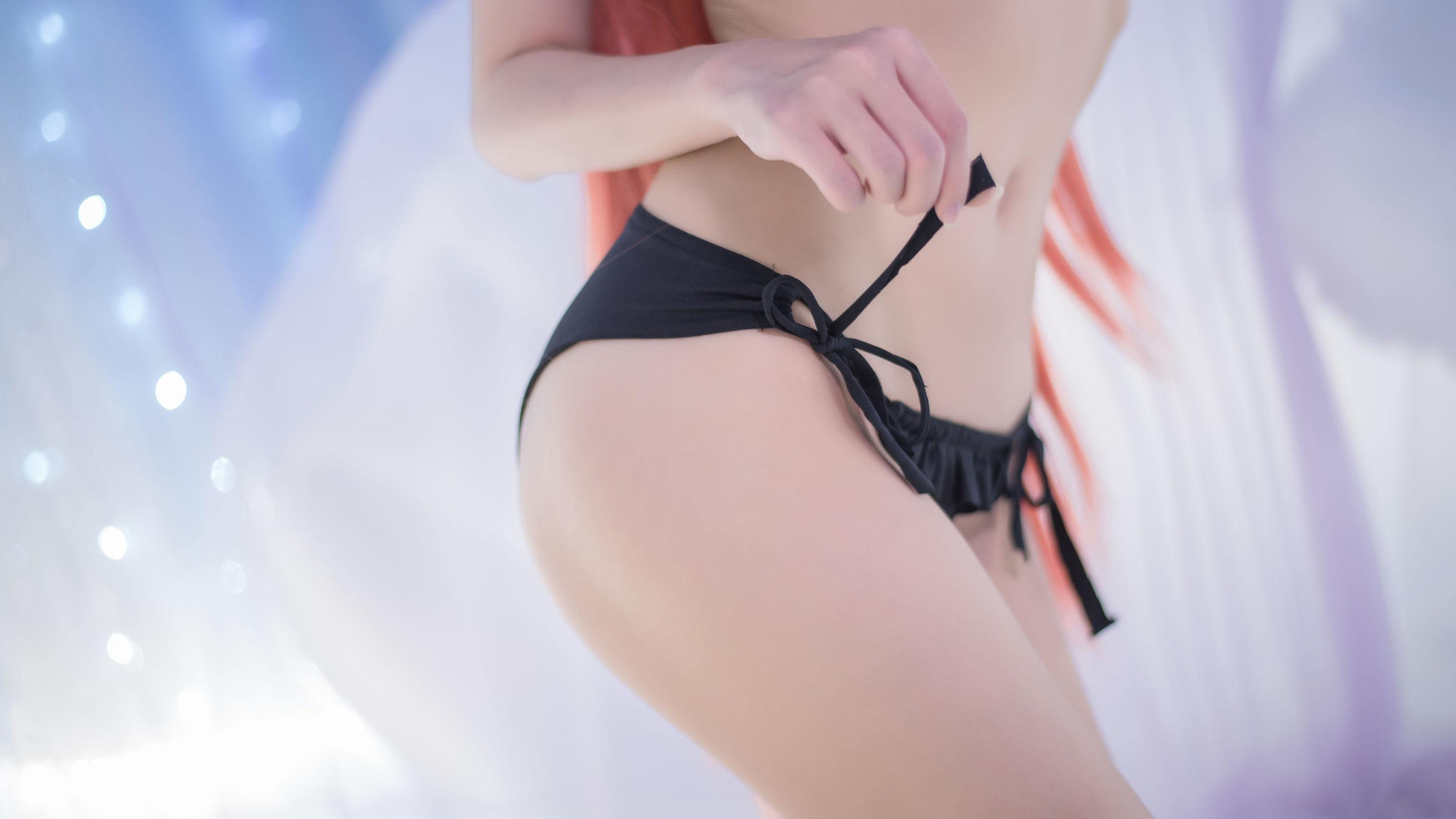 [CosPlay美女] 鳗鱼霏儿 - 红发魔女 [20P]