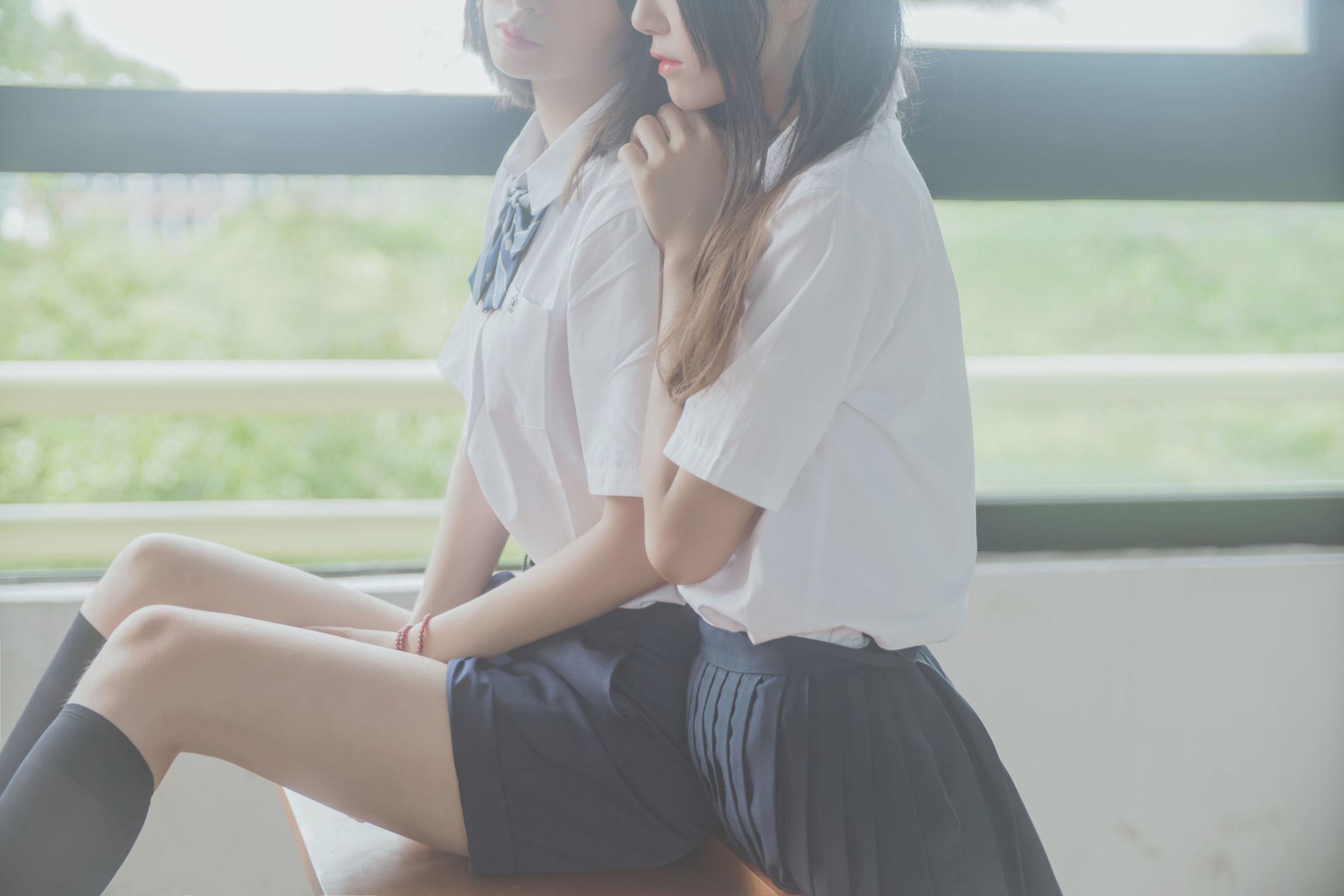 [COSER] 桜桃喵&疯猫ss – JK百合1 COS丝袜美图[43P]