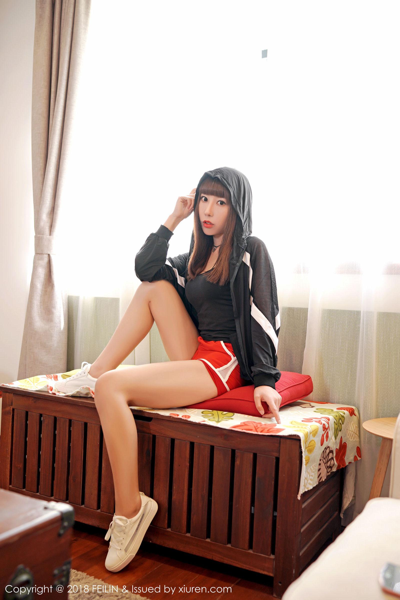 [FEILIN嗲囡囡] VOL.139 模特@夏笑笑Summer最新性感私房丝袜美图[38P]