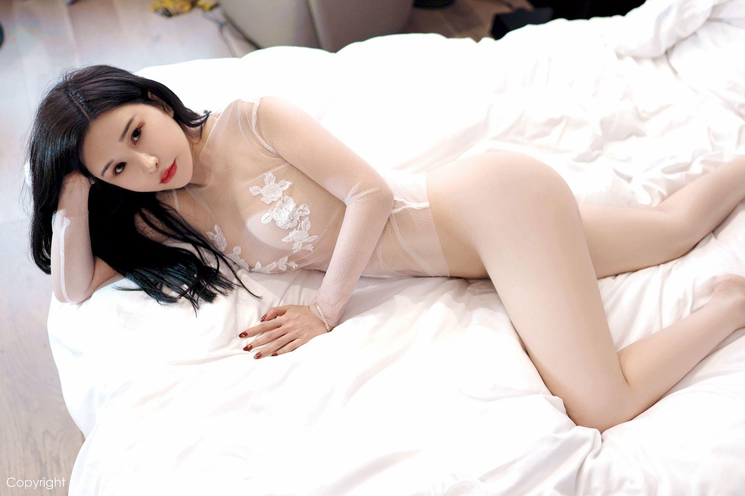 [FEILIN嗲囡囡] Vol.177 模特@张雨萌性感私房丝袜美图[28P]