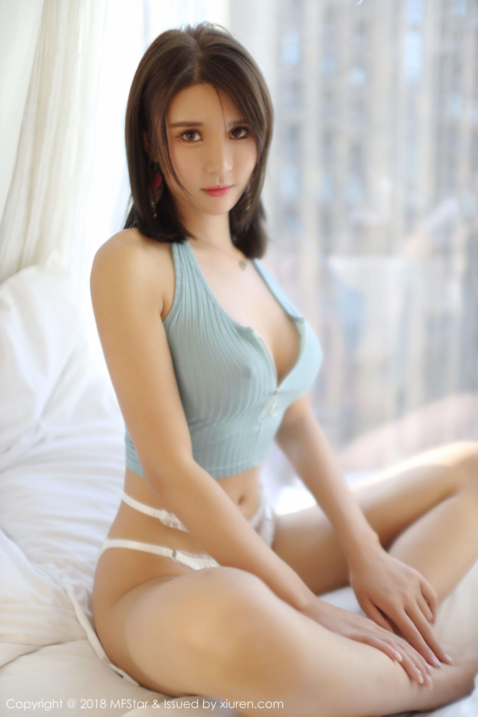 [MFStar模范学院] Vol.158 女神@SOLO-尹菲魅惑私房丝袜美图[38P]