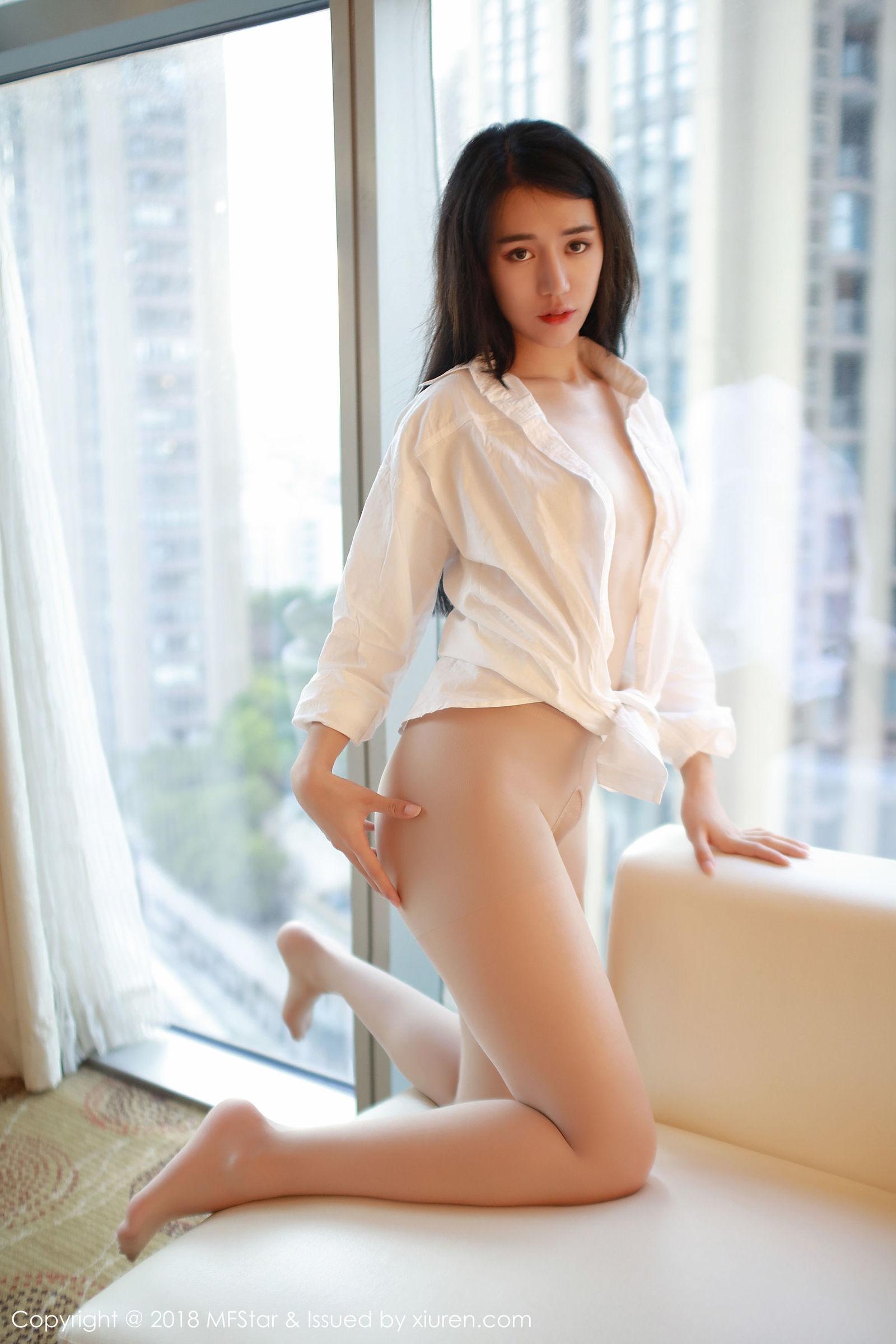 [MFStar模范学院] Vol.143 模特@白子嫣nicky首套丝袜美图[35P]