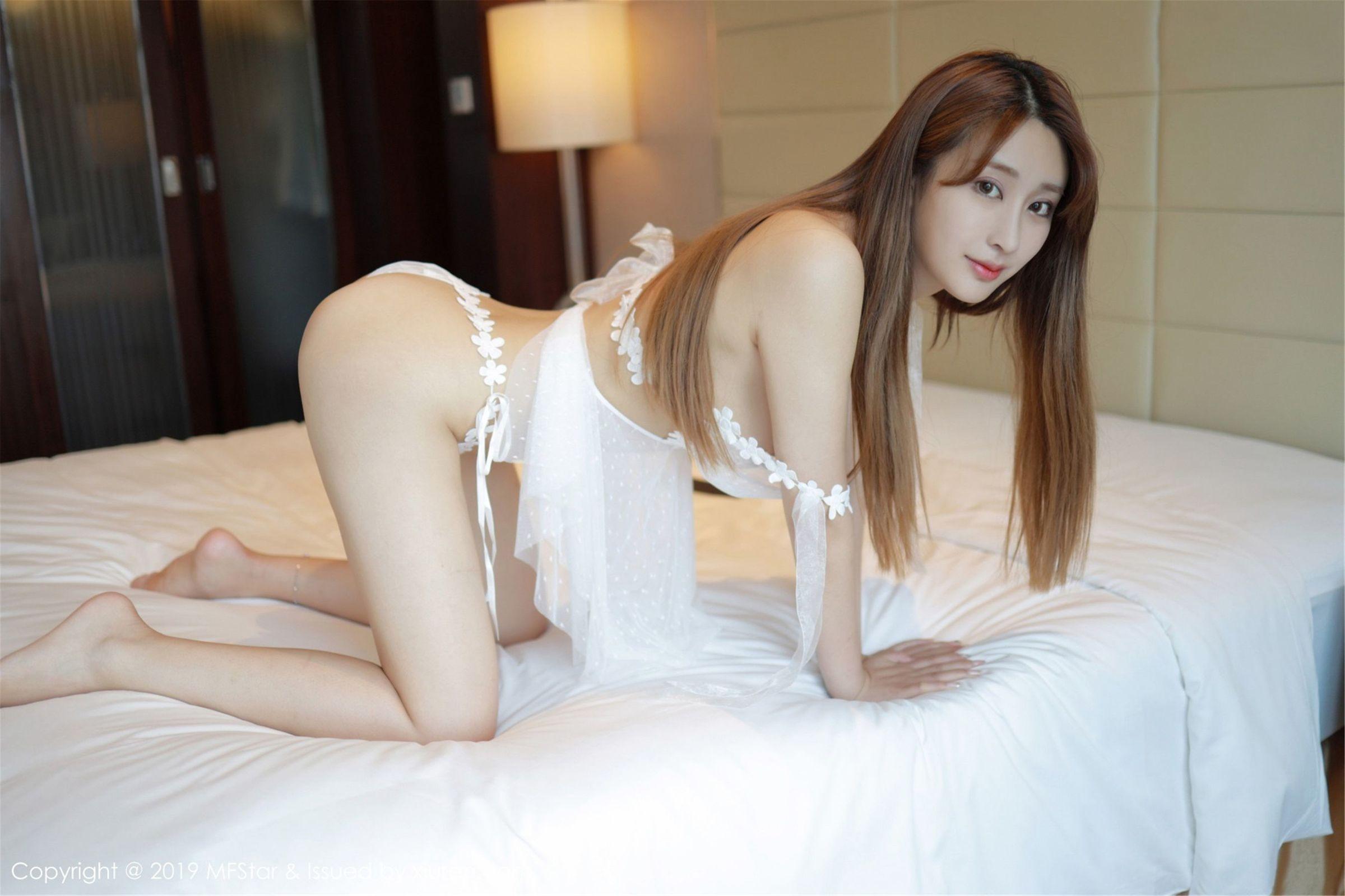 [MFStar模范学院] Vol.205 清纯美女@奈美nana性感[47P]