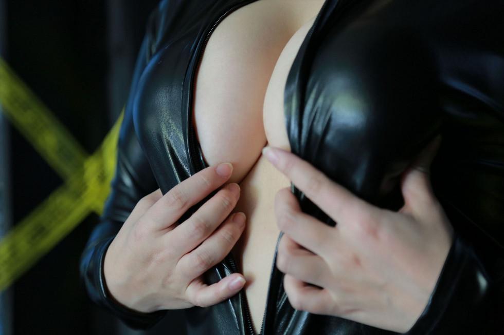 大胸美少女Cosplay海量高清性感写真355P