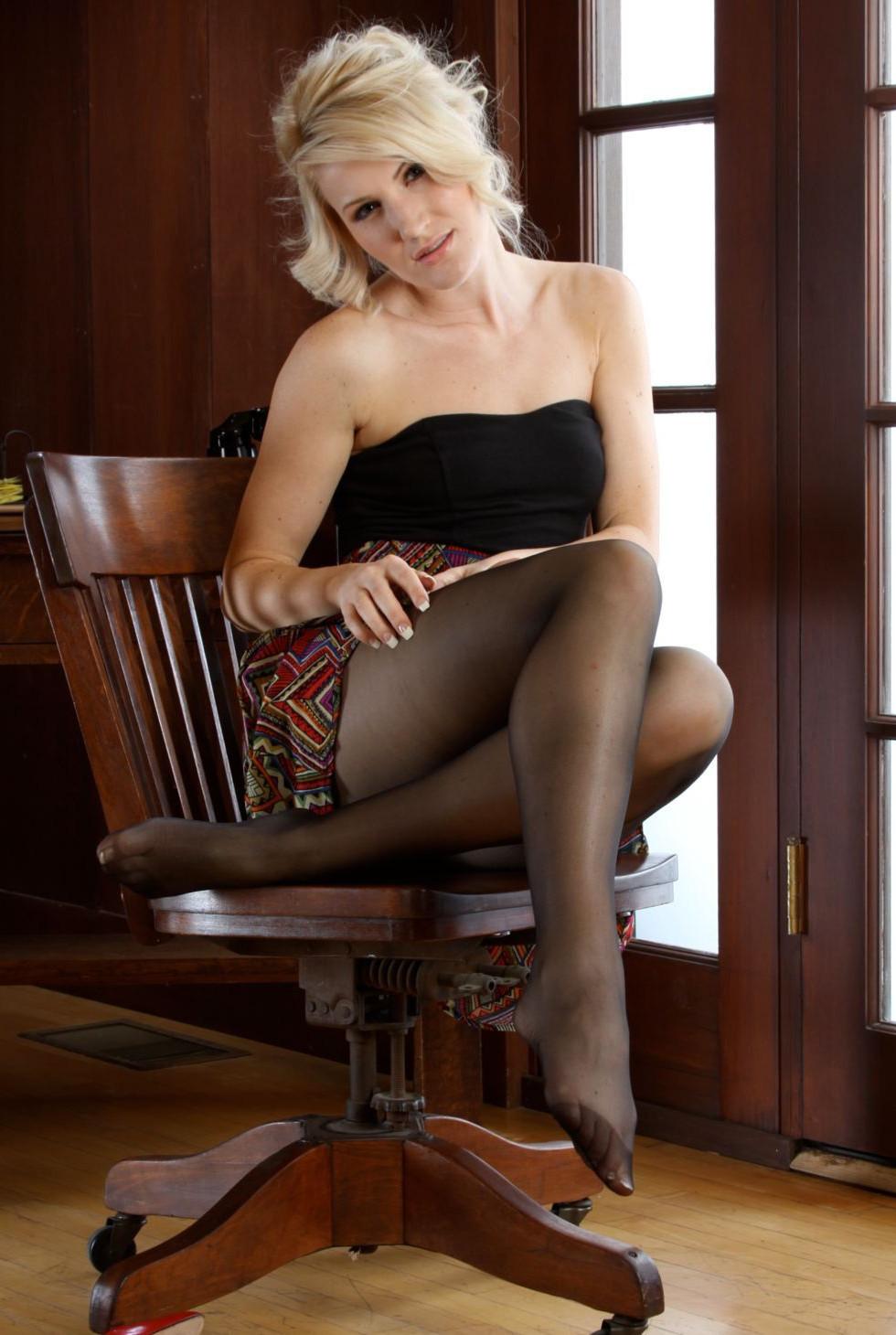 欧美性感女郎Adrina无内丝袜系列大尺度撩人诱惑海量写真318P