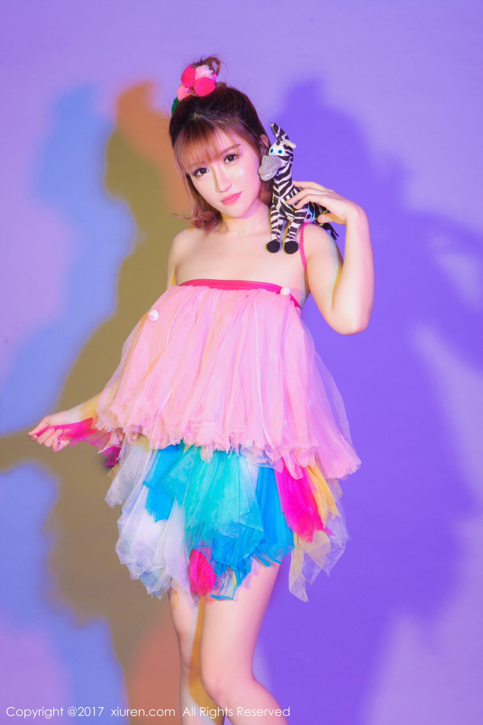 [XiuRen秀人网] No.722 K8傲娇萌萌Vivian - COS超级索尼子与梦幻七彩裙子 丝袜美图图片[62P]