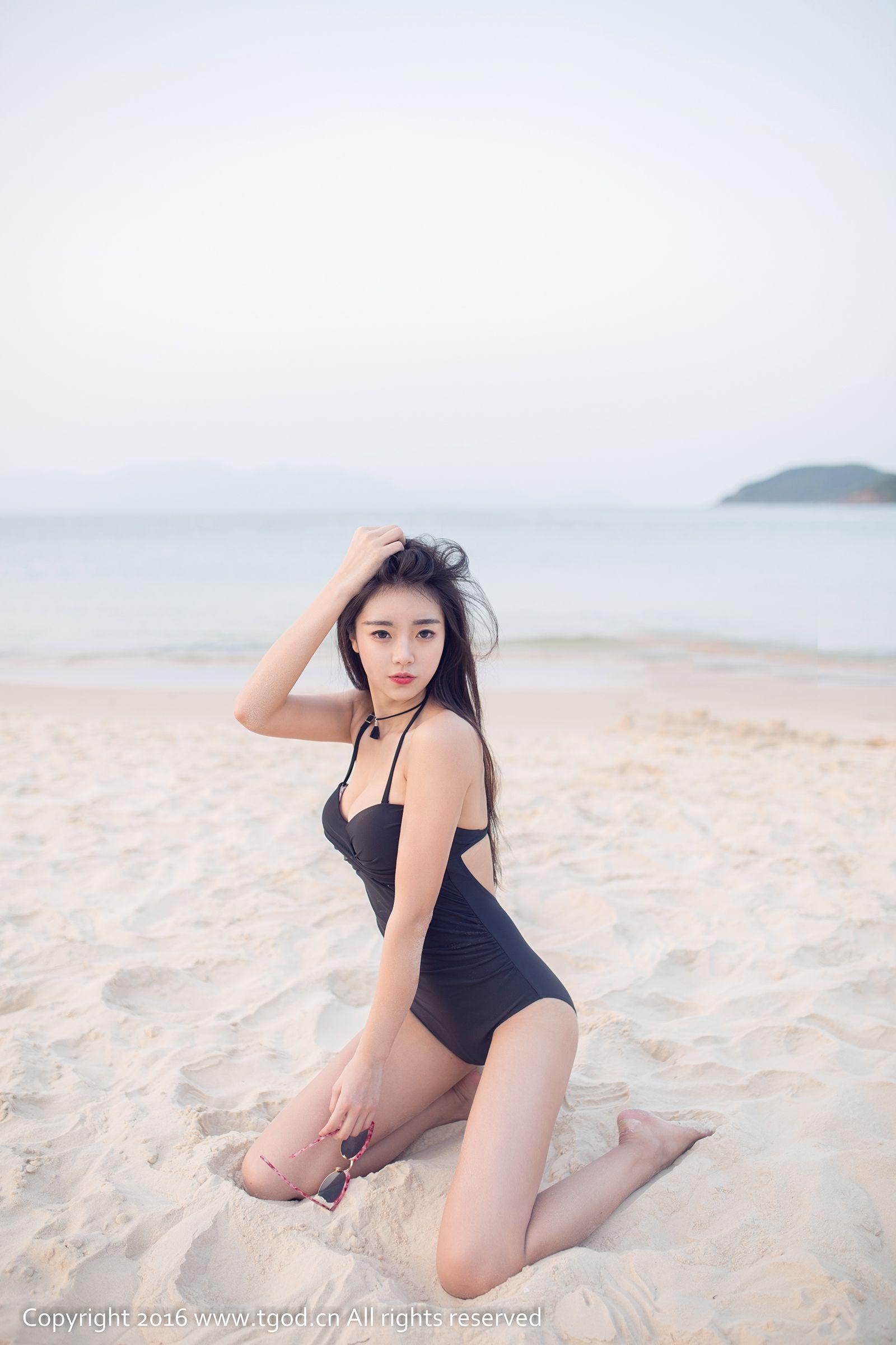 [TGOD推女神/尤蜜荟] 可乐Vicky 合集 丝袜美图[40P]